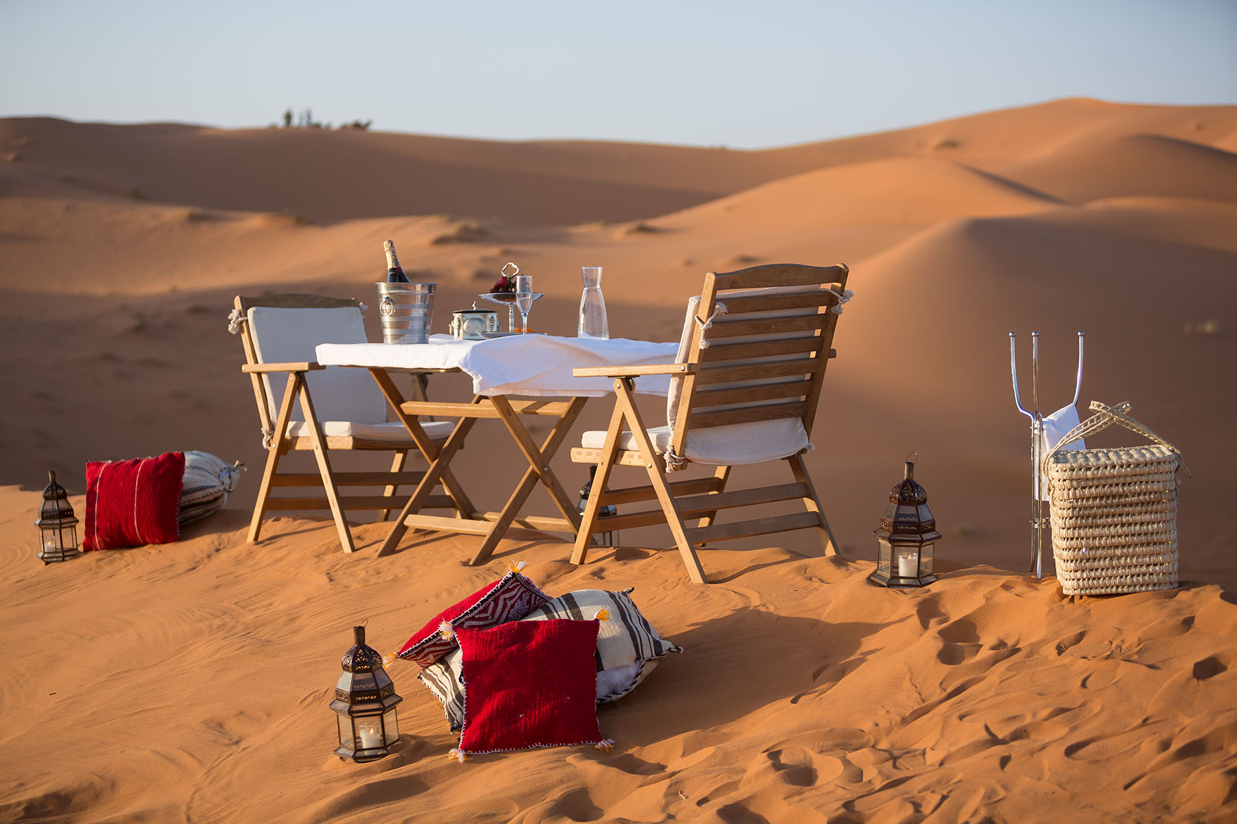 Dinners on the top of the dune
